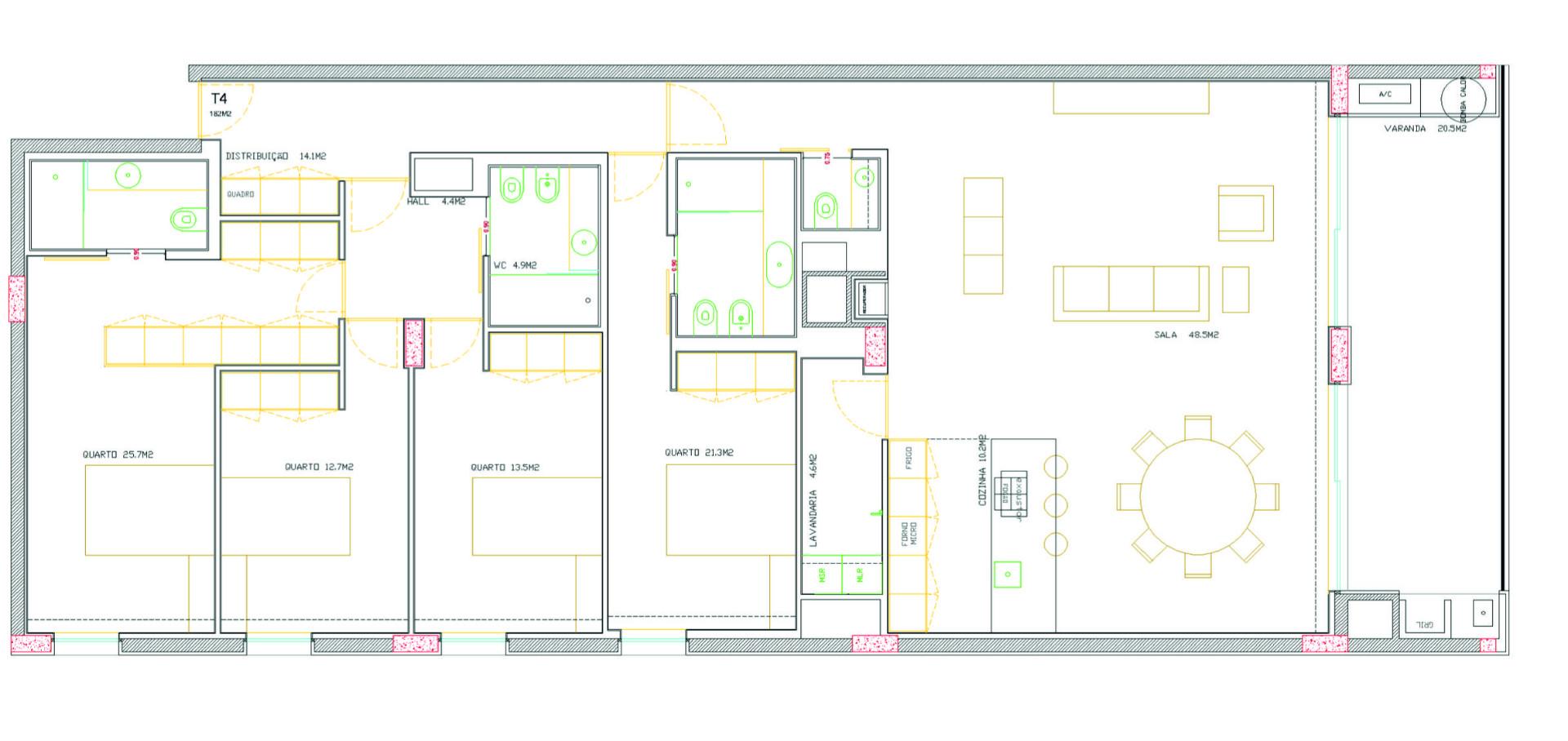 Apartamento T4 bem Localizado